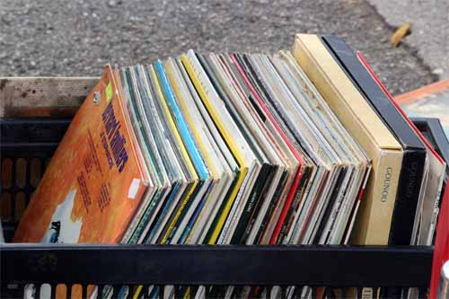Vintage Vinyl Records - 9 Reasons Why Collectors Like Them